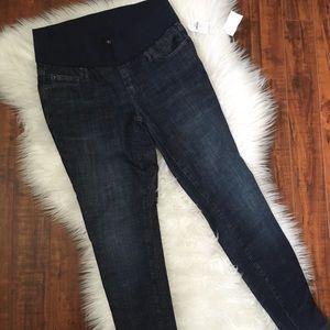 NWT Gap Maternity Skinny Jeans